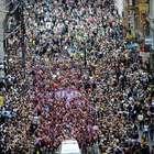 Multitud invade las calles de Londres para festejar medallas