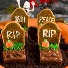 Prepara confites en forma de tentadoras tumbas de chocolate