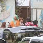 Lady Gaga visita hogar de niños por Día de Acción de Gracias