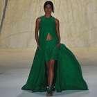 Fashion Rio: Vestidos evasé llevan suavidad a la pasarela