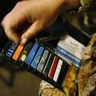 Dívida no cartão dobra em 6 meses; veja opções mais baratas
