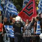 Preso, líder neonazista grego comemora 3º lugar do partido