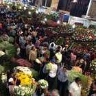 Flores enloquecen a mexicanos en el Día de las Madres