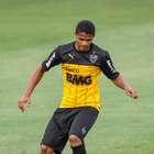 Galo pagará R$ 10,6 mi para ter Douglas Santos em definitivo