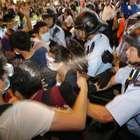 Líder estudantil de Hong Kong é indiciado pela polícia
