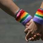 Mais de 70% dos colombianos é contra adoção por casais gays
