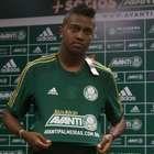 Torção deixa joelho de Kelvin inchado e preocupa Palmeiras