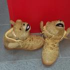 Las nuevas zapatillas de Dani Alves sorprenden hasta a Messi