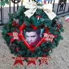 Templo de colecionador em homenagem a Elvis é colocado à...