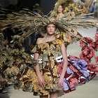 Viktor&Rolf lleva versión 3D del campo al París Fashion Week