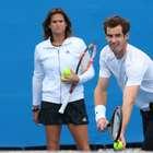 Murray inova com treinadora e ataca