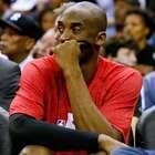 Kobe opera ombro direito e desfalca Lakers por 9 meses