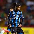 Santos da cuenta 1-0 del Querétaro con todo y Ronaldinho