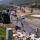 Congestión generó volcamiento de camión en la ruta 5 Norte