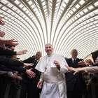 Perfil falso de Papa tem milhares de convites no Facebook