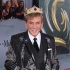 Osmel Sousa compró su propia corona... ¡Y no es broma!