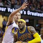 LeBron James anota 42 puntos, Cavs derrotan a Warriors