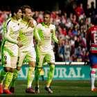 Barcelona se impone al Granada y sigue al acecho del Madrid
