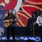 Nano Stern recuerda a Jara y Violeta en un show con denuncia