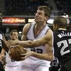 Splitter volta ao time, e Spurs encerram sequência negativa