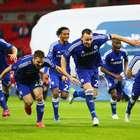 Chelsea bate Tottenham e leva 1º título em volta de Mourinho