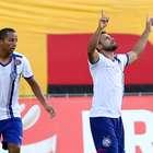 Ex-ídolo rival marca, e Bahia arranca empate do Vitória