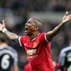 Manchester United se impone de último minuto a Newcastle