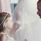 Padre dedica emotivos votos a su pequeña hija en su boda