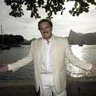 Maestro Eduardo Lages homenageia Dia da Mulher com show