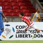 Inter de Porto Alegre vence al Emelec en duelo de volteretas