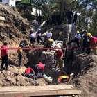 Dos trabajadores extraviados tras deslave en obra en Morelos