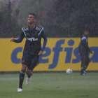 Oswaldo anuncia escalação com 9 reservas contra Bragantino