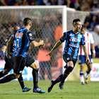 ¡Vuelven a cantar! Con golazo, los Gallos derrotan a Chivas