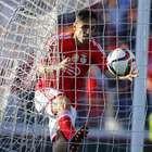 Benfica remonta ante Arouca y se aleja del Porto