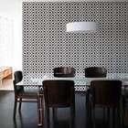 Papel de parede ou espelho: veja como decorar uma sala nova