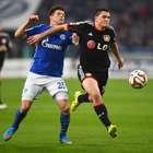 Leverkusen vence Schalke fora e sobe a 3º no Alemão