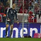 """Em dia """"mão de alface"""" de Neuer, Bayern cai para M'Gladbach"""