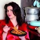 Mulheres que cozinham receitas da TV pesam 5 kg a mais