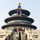 Michelle Rodriguez hace impactante posición de yoga en China
