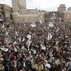 Mais de 400 presos fogem de presídio bombardeado no Iêmen