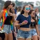 Público se diverte e esbanja estilo no Lollapalooza