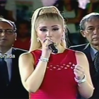 Claudia Serpa es criticada por cantar mal el Himno Nacional
