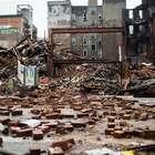 Socorristas hallan dos cadáveres en edificio colapsado de NY