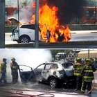 Camioneta se incendia y queda calcinada en Indios Verdes