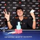 Garoto de 19 anos leva milhões e surpreende mundo do pôquer