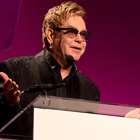 Elton John odia a su madre; no se ven desde hace años