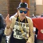 Ancianos parodian clásico de Beastie Boys en asilo