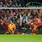 Liverpool se impone al Newcastle y sigue en puestos europeos