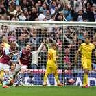 Aston Villa remonta ante Liverpool y avanza a Final de Copa