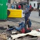Fotos muestran ataque mortal contra migrante en Sudáfrica